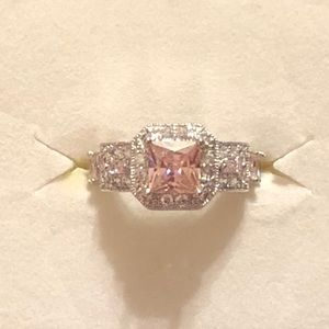 Sterling silver pink/white topaz ring size 6 🎁